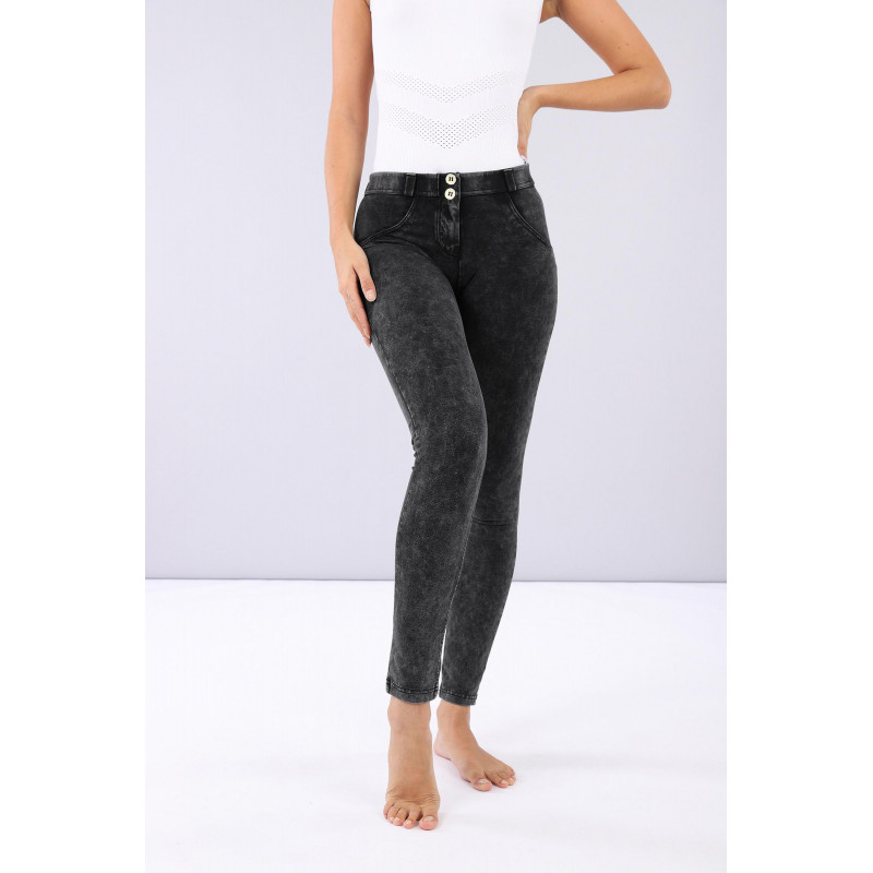 WR.UP® - Regular Waist Skinny - Marmor-Optik - Black - N0