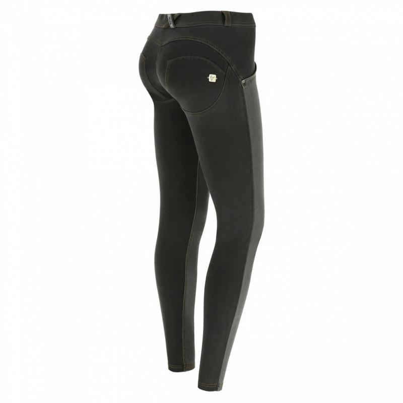 WR.UP® Denim - Regular Waist Skinny - Distressed - Black - N0