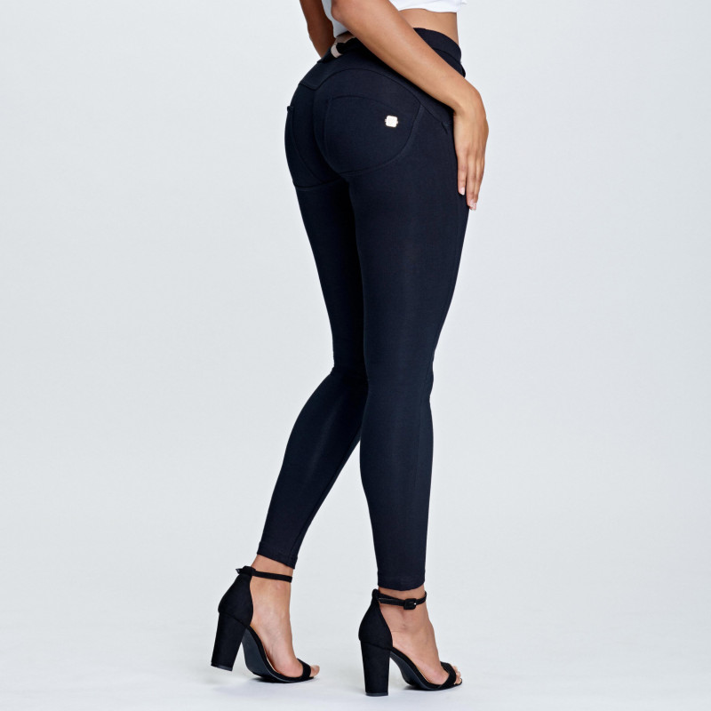 WR.UP® - 7/8 Regular Waist Skinny - Black - N0