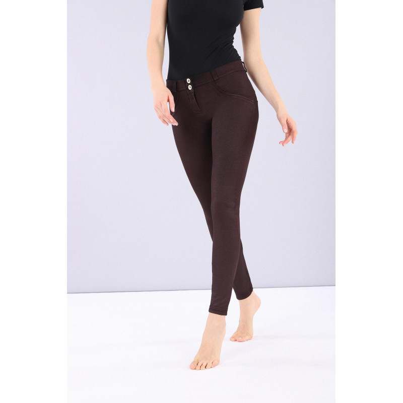WR.UP® - Regular Waist Super Skinny - Coated Denim-Effect - Tawny Port - K830