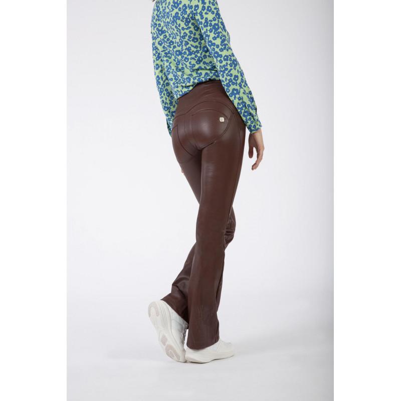 WR.UP® Ecoleder - High Waist Flare - Geriffelt - Chocolate - M330