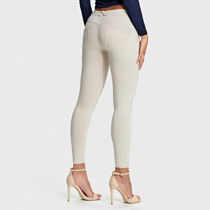 WR.UP® - 7/8 Regular Waist Super Skinny - Light Beige - Z640