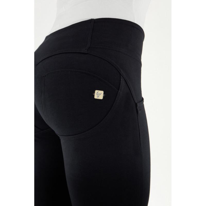 WR.UP® Denim - 7/8 - Regular Waist Skinny - mit Stickerei im Wadenbereich - Washed Denim - Red Seam - J19R