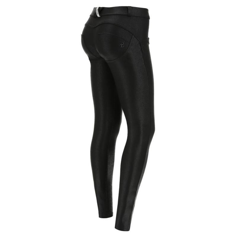 WR.UP® - Regular Waist Skinny - Coated Interlock - Black - N0